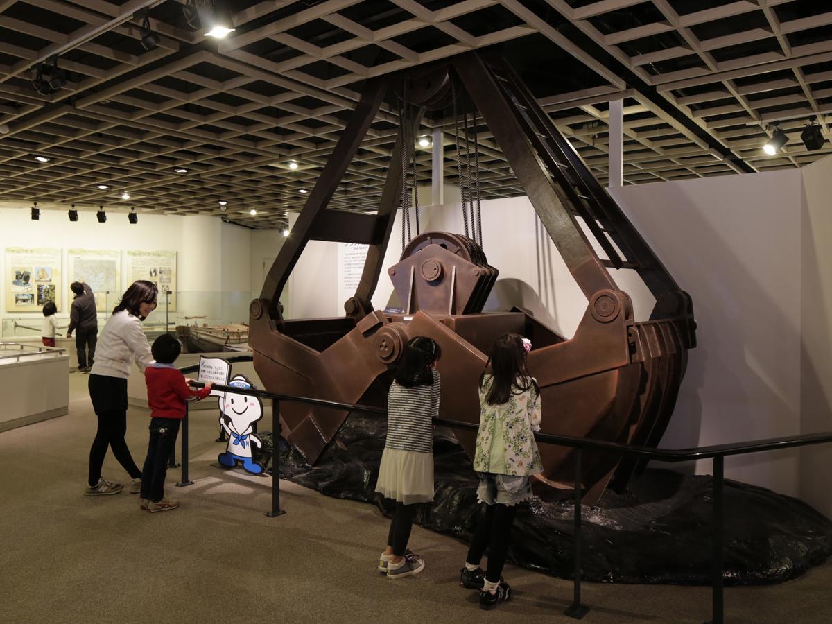 名古屋海洋博物館のグラブバケット